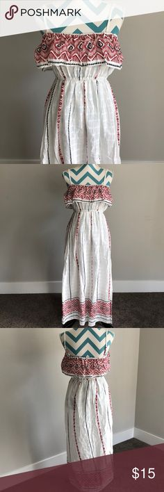 """Cute dress NWT Super cute white dress with bohemian flare. Could be worn strapless but has adjustable straps. Brand new with tags! Tag says 100% cotton but feels more woven. Length from chest to the bottom is 44"""". Chest is elastic so it could fit various chest sizes. My best guess would be 32A to 34B/C. Dresses Maxi"""