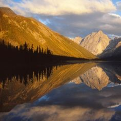 7 Natural UNESCO World Heritage Sites in Canada ...