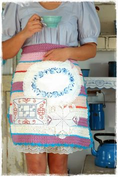 Blue Cottage: apron ....