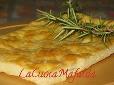 Focaccia con lievito istantaneo Focaccia Pizza, Salty Cake, Sugar Free Recipes, Antipasto, Sweet And Spicy, Biscotti, Buffet, Food And Drink, Vegetarian