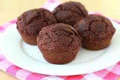 "Hungry Girl ""Yum Yum Brownie Muffins"" made with just 2 ingredients - devils food cake mix & canned pumpkin 2 Ingredient Recipes, Ww Recipes, Muffin Recipes, Popular Recipes, Healthy Recipes, Delicious Recipes, Ww Desserts, Dessert Recipes, Healthy Desserts"