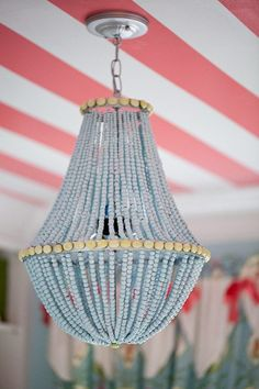 DIY Wood Bead Chandelier and 16 Beaded Chandelier Tutorials! Chandelier Design, Diy Decor, Makeup Room Decor, Diy Home Decor, Diy Chandelier, Wood Bead Chandelier, Striped Ceiling, Beaded Chandelier, Wood Diy