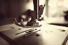 Sewing Machines For Beginners How to clean and care for your sewing machine. These are great sewing machine maintenance tips! - How to clean and care for your sewing machine. These are great sewing machine maintenance tips!