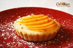 La tartelette de Kaki Persimon, un délice d'auotmne. Recette à consulter ici : crookies.fr/tartelette-sucree-dautomne-au-kaki-persimon/