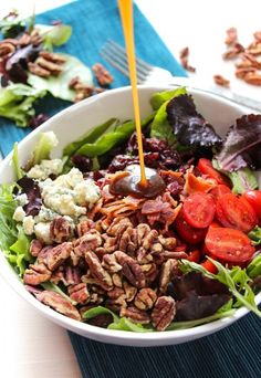 Apple Bacon Gorgonzola Salad with a Sweet Balsamic Dressing   23 Delicious Side Dishes You Can Make Without Turning On Your Stove
