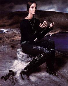 secrets of Avalon   Porcelainista Versace – ad campaign fall/winter 1998/1999 photographer: Steven Meisel