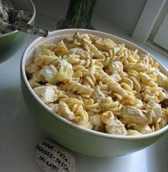 """300g kierrepastaa 1pkt (3kpl) maustamattomia broilerin rintaleikkeitä/fileitä 2pkt Arla Apetina classic """"fetaa"""" (eli """"välimerellistä juu..."""