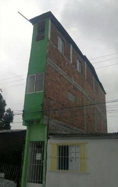 Well this list of hilarious construction fails should do the trick! Honestly, what was going through their heads when building these things. Construction Fails, Construction Worker, Building Fails, Roman Clock, Places To Rent, Unusual Homes, Small House Design, Skyscraper, Funny Pictures