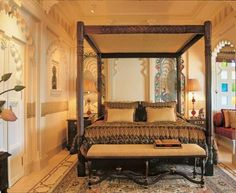 Taj Lake Palace, Udaipur: Suites, deluxe rooms and other luxury services provided at your footstep. Silver Furniture, Marble Columns, Heritage Hotel, Romantic Room, Luxury Services, Indian Homes, Bohemian Interior, Palace Hotel, Udaipur