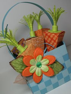 carrot patch money holder i am always looking for fun and unique ways to give the gift of money, especially when the recipient is a young person. Hoppy Easter, Easter Gift, Easter Crafts, Easter Ideas, Easter Projects, Easter Decor, Cute Crafts, Crafts For Kids, Creative Crafts