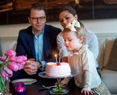 La princesa Estelle, hija de Victoria y Daniel de Suecia, cumple dos años