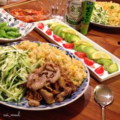 豚肉の生姜焼きと卵炒飯をワンプレートで❁アボカドはお刺身のようにワサビ醤油で