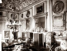 Photo of The Queen Victoria Sitting Room in the South Wing of Buckingham Palace by photographer unknown during the reign of Queen Victoria (1819-1901) UK. Credit: The Lothians Blog Oct 2012 by Don001.