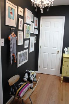 black works so well for displaying wall decor