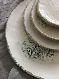 com Eva-Maria Schörg Pottery, Plates, Rose, Tableware, Handmade Pottery, Ceramica, Licence Plates, Plate, Pink
