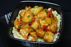 Pui cu ananas, in sos dulce-acrisor - CAIETUL CU RETETE Pineapple Chicken, Romanian Food, Kung Pao Chicken, Chinese Food, Carne, Kfc, Chicken Recipes, Food And Drink, Sweets