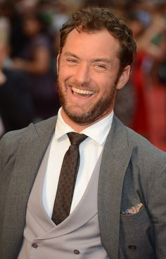 Jude Law   Jude Law Picture 81 - The Premiere of Anna Karenina