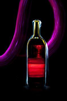 Light and glass | light painting, light brush, long exposure, still life, bottle, coctail, neon
