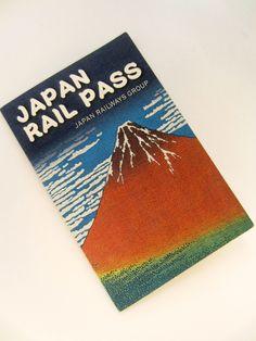 JOUR 4 Nous activons nos Japan Rail Pass à la station Otemachi.Ce pass nous permet de voyager en train de manière quasi-illimité sur une semaine.Egalement sur certaines lignes de métro à Tokyo et...