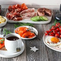 MARENGS MED MØRK SJOKOLADE OG MANDLER | TRINES MATBLOGG Croissants, Chocolate Fondue, Food Photo, Waffles, Brunch, Breakfast, Desserts, Recipes, Photos