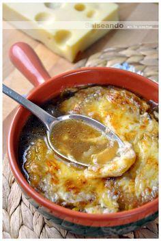 Salseando en la cocina: Soupe à l'oignon gratinée