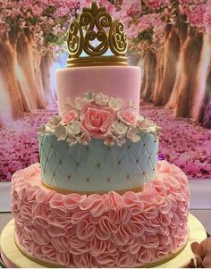 An element other sweet, you can not miss in your party Xv years . The birthday cake! Fancy Cakes, Cute Cakes, Pretty Cakes, Princess Birthday, Princess Party, Pink Princess, Sweet 16 Birthday, Birthday Cake, 15th Birthday