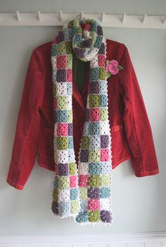 pretty scarf using mini granny squares  link has no pattern