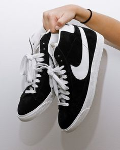 black high top nike blazers
