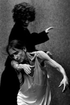 Paulo Pimenta Diários: # Café Müller Pina Bausch # Modern Dance, Contemporary Dance, Mime, Pina Bausch, Poesia Visual, Famous Dancers, Dancing In The Dark, Lets Dance, Dance Photography