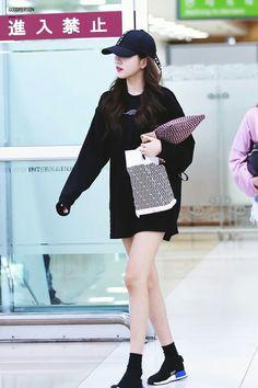 Gfriend sowon Kpop Outfits, Fashion Outfits, Gfriend Sowon, G Friend, Chic, Beautiful, Vintage, Style, Ms