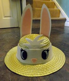 A very easy Easter bonnet hat idea to make with your kids. Crazy Hat Day, Crazy Hats, Crazy Socks, Easter Hat Parade, Bunny Hat, Easter Bunny, Easter Bonnets, Easter Activities, Easter Crafts