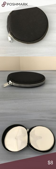 Nylon DVD/CD holder Round nylon with silver zipper CD/DVD holder Accessories