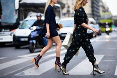 Paris Fashion Week Street Style Spring 2016: Shop The Best Outfits | LuckyShops
