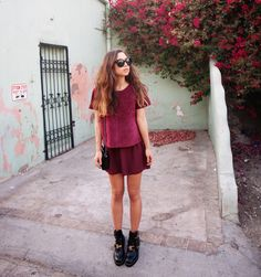 extra 70% off women's sunglassés plus free shipping! loving the sunglassés,hair,outfit everything !! A paranoid is someone who knows a little of what's going on.
