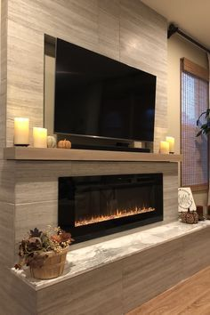 Interior Design: 35 Ideas How To Get A Modern Home inspirierendes modernes Wohnzimmer, flacher Kamin, Design-Idee Fireplace Tv Wall, Linear Fireplace, Fireplace Remodel, Fireplace Design, Fireplace Ideas, Fireplace Inserts, Mantel Ideas, Farmhouse Fireplace, Tv Stand With Fireplace