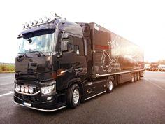 renault trucks official renaulttrucks on pinterest. Black Bedroom Furniture Sets. Home Design Ideas