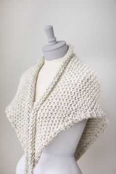 Knit triangle scarf in Pale Brown Tweed knit by PikaPikaCreative
