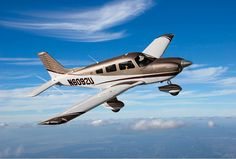 Piper Cherokee 180. Leaned to fly in a 180