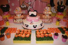 A festa da Minnie Bebê é uma das favoritas entre as meninas. Produzida por mim, essa festa foi um sucesso absoluto!
