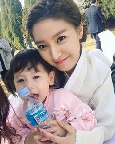 "26 Me gusta, 1 comentarios - Kim So Eun ❤ Song Jae Rim (@vira.solim) en Instagram: "". Beautiful eomma......❤❤❤ . Cr : @babymodel_chaechae . @jaelim_song @socun89 in OUR GAB SOON .…"""