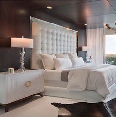 Modern Bedroom Design Ideas Black And White Bedroom Furniture Talentino 75 Beautiful Modern Bedroom Pictures Ideas Houzz Home Decor Bedroom, Silver Bedroom Decor, Bedroom Decor, Glamourous Bedroom, White And Silver Bedroom, Home Bedroom, Modern Bedroom, Home Decor, Luxurious Bedrooms