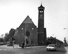 Gezicht op de St.-Antonius van Paduakerk (Kanaalstraat 198) te Utrecht, uit het noordoosten. Links de Abel Tasmanstraat.1978