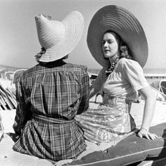 Miami Beach, 1940  Photo by Alfred Eisenstaedt