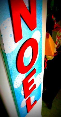 "diy tutorial: glittery doily snowflake stenciled ""Noel"" canvas art! so fun, vintage-y and fabulous!"