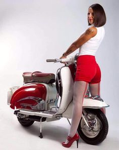 All things Lambretta & Vespa, well all things if they are pictures. (and perhaps the odd other thing that catches my eye from time to time including occasional adult content! Scooter Girl, Vespa Girl, Lambretta Scooter, Scooter Motorcycle, Vespa Scooters, Girl Motorcycle, Red Vespa, Mod Girl, Super Bikes