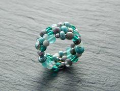 Spiralring - Grey & Mint von Perlenfontäne auf DaWanda.com