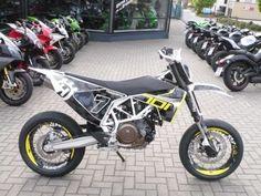 Husqvarna 701 Supermoto Black Höly Special Edition 2017 in DE-69198 Schriesheim Německo