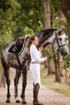 Civa – www.harriet-jense… Civa – www.harriet-jense… - Art Of Equitation Equestrian Boots, Equestrian Outfits, Equestrian Style, Cute Horses, Horse Love, Beautiful Horses, Horse Riding, Riding Boots, Dapple Grey Horses