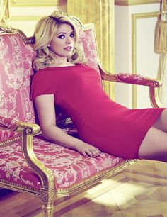 'Every woman deserves a bit of glamour in her life': Holly Willoughby celebrates her curvy shape as she unveils her tenth fashion collection Holly Willoughby Legs, Stylish Girl, Tight Dresses, Gorgeous Women, Beautiful Females, Gorgeous Lady, Beautiful Redhead, Beautiful Clothes, Lady In Red
