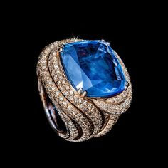 A blue with an exotic flavor. One of a Kind Turbante ring in rose gold with ct fancy diamonds and ct blue sapphire. Rock Jewelry, Fashion Jewelry Necklaces, Mens Silver Necklace, Silver Jewelry, Gold Jewellery, Luxury Jewelry, Silver Ring, Minimalist Jewelry, Ring Earrings